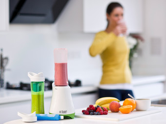 Russell Hobbs Smoothie Maker + 2 Bottles