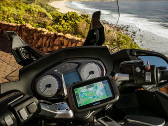 tomtom rider 420 motorrad navi internet 39 s best online. Black Bedroom Furniture Sets. Home Design Ideas