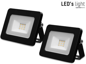 2x LED Floodlight (10 W)