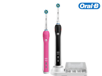 2 Oral-B Smart 4900 Tandenborstels