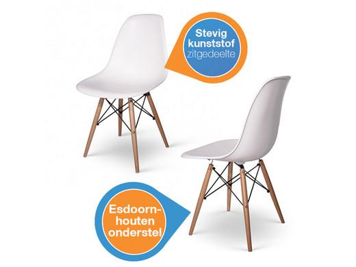 Twee Design Stoelen.Twee Fraaie Witte Designstoelen Met Esdoornhouten Onderstel