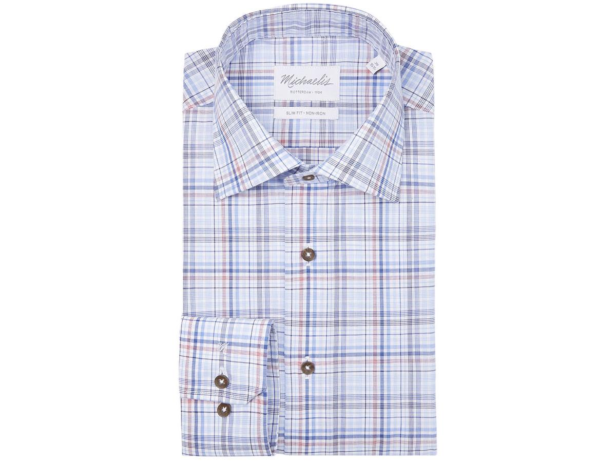 Dit is een hemd met een Wide Spread kraag